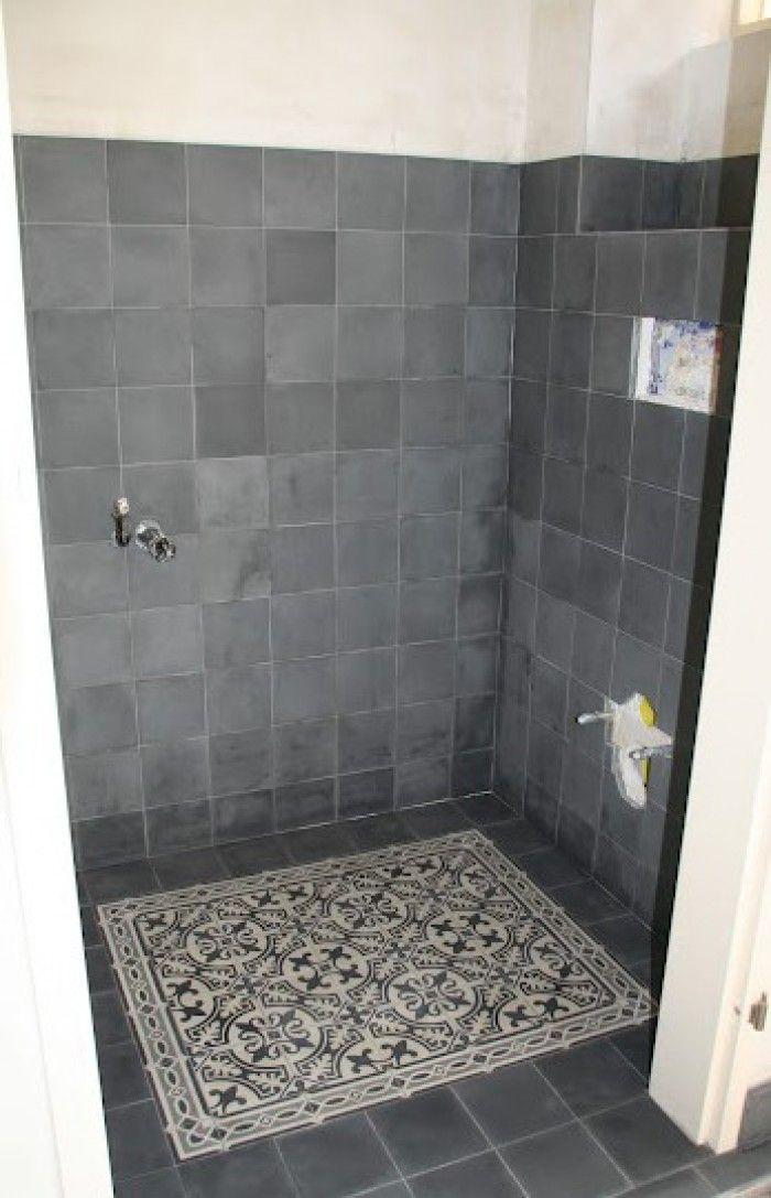 25 beste idee n over tegels in de badkamers op pinterest betegelde badkamers metro tegels - Kleur idee entreehal ...