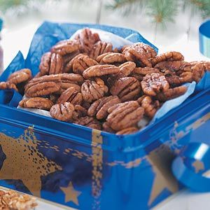 Spiced+Pecans: Appetizers Snacks, Snacks Dips, Mmm Desserts Snacks, Favorit Recipes Snacks, Dips Treats Eating, Christmas Thanksgiving, Pecans Recipe, Nut Se Recipe, Appetizers Dips