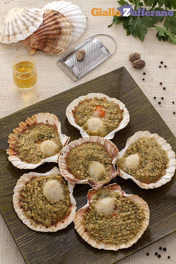 Le nostre #CAPESANTE GRATINATE al BURRO e BRANDY (Scallops Au Gratin) sono un #antipasto per le grandi occasioni, che richiama tutto il sapore del mare. Qui la #video #ricetta: http://ricette.giallozafferano.it/Capesante-gratinate-al-burro-e-Brandy.html #GialloZafferano #pesce #italianrecipe #italianfood