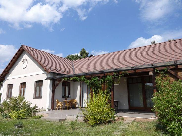 Paloznak - 2008-ban épült hangulatos egyszintes családi ház - Kód: PLH01. - http://balatonhomes.com/code_PLH01 - Vételár: 48 000 000 Ft.