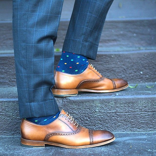 Looking #dapper my friend! Gorgeous brown leather oxford men's shoes with broguing and distressed cap toe. Lovely socks too!
