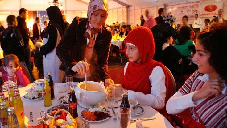 য দশ ইফতরর  মনট পর সহর খত হয় রজ রখত হয়  ঘনট  মনট- Islamic Information https://youtu.be/VWJJdc90eb4