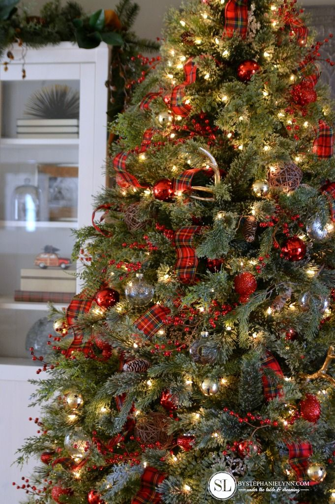 Decorating Christmas Tree With Ribbon Ideas