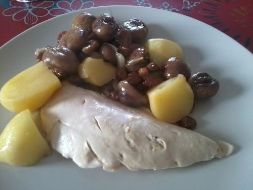 Recette Pintade aux marrons et aux raisins (ajouter amandes et pommes de terre) super bon