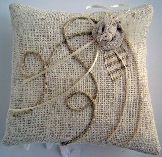 25 best ideas about rustic burlap crafts on pinterest for Burlap fabric projects
