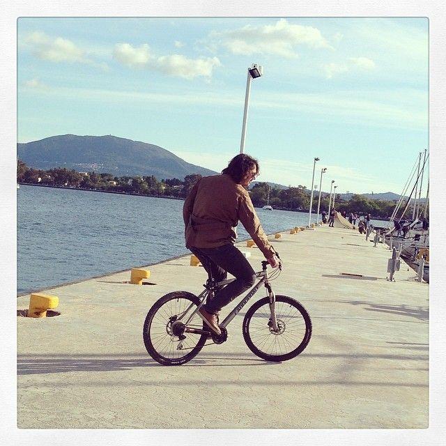 #bike #port #corfu #saltybag #saltyteam #spring #sunday #sea #blue #yellow #cannondale #sailing #yachts #bay
