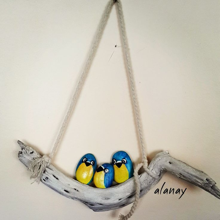Alanay... Driftwood and painted stones...very nice!