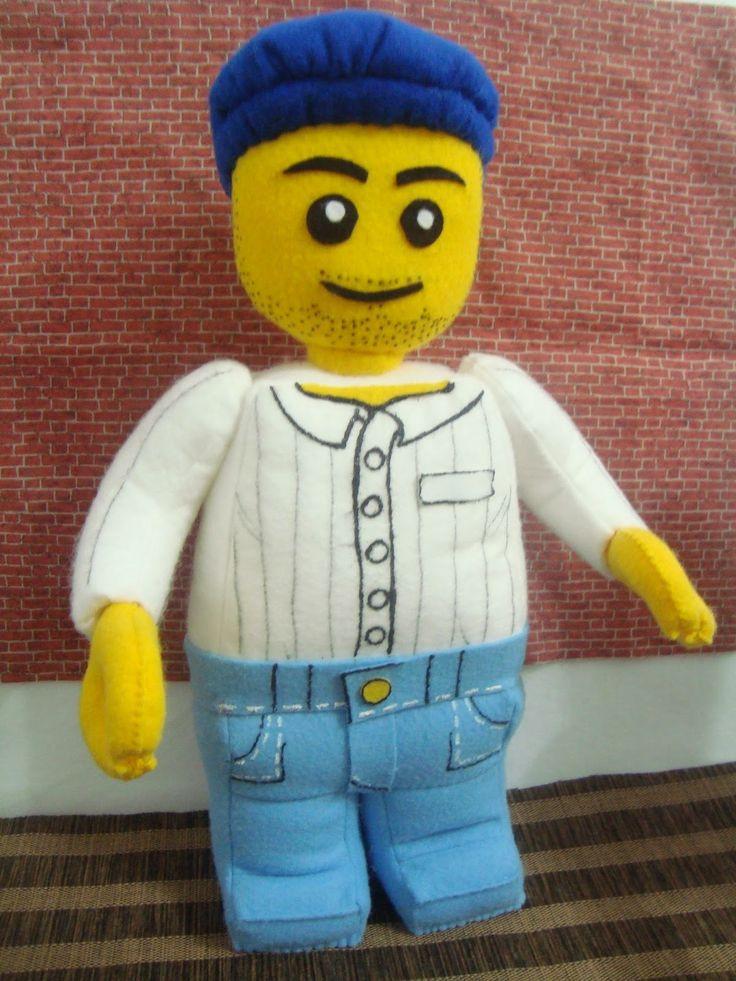 Vanessa Pracanico: BONECOS LEGO DE FELTRO - 35 CM