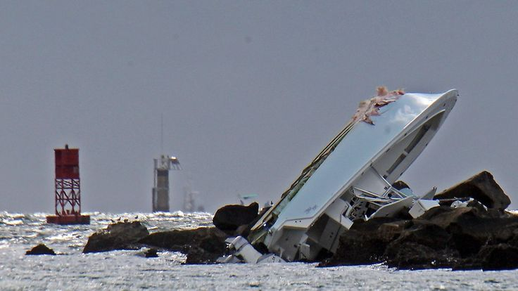 Miami Marlins star Jose Fernandez had cocaine and alcohol in his system when he died in a boat crash, an autopsy finds.
