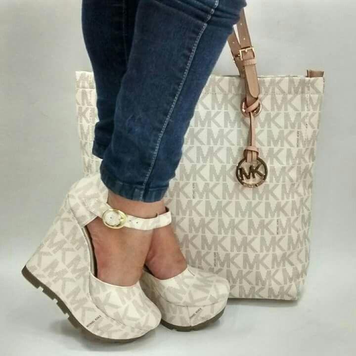 d671fc64dc98 Buy michael kors matching handbag and wallet   OFF45% Discounted