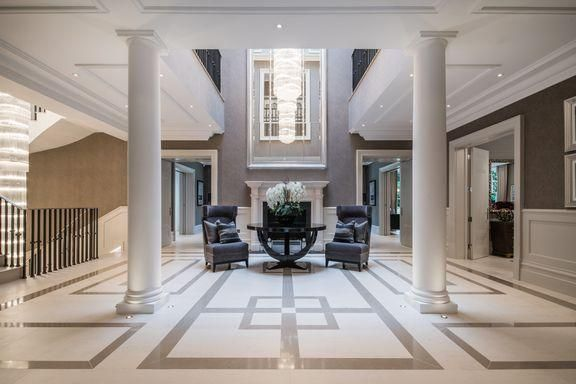 Large Entrance Hall With Geometric Floor Design That Gives The Expansive Space Definition And Intere Georgian Interiors Interior Design London Interior Columns