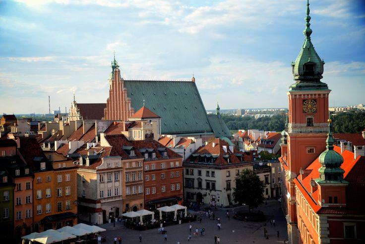 Warsaw's Castle Square. photo: Dennis Faro