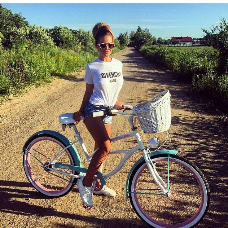 Las 25 Mejores Ideas Sobre Chicas En Bicicletas En