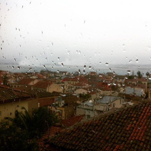 #rainy_day #cold #winter #christmas #old_town #view #amfitriti_hotels #nafplio