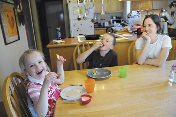 High-fat ketogenic diet helps 4-year-old keep seizures at bay | Ketogenic Diet in the News ...