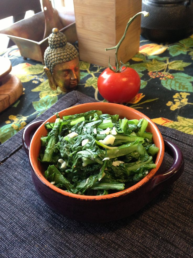 Hearty Braised Garlic Mustard Greens with Pungent Fish Sauce! Yumo and ...