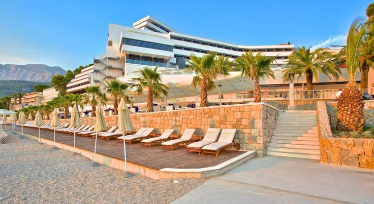 A perfect beach, perfect accommodation and perfect  Croatia <3 https://medorahotels.com/en/medora-auri-family-beach-resort/accommodation/