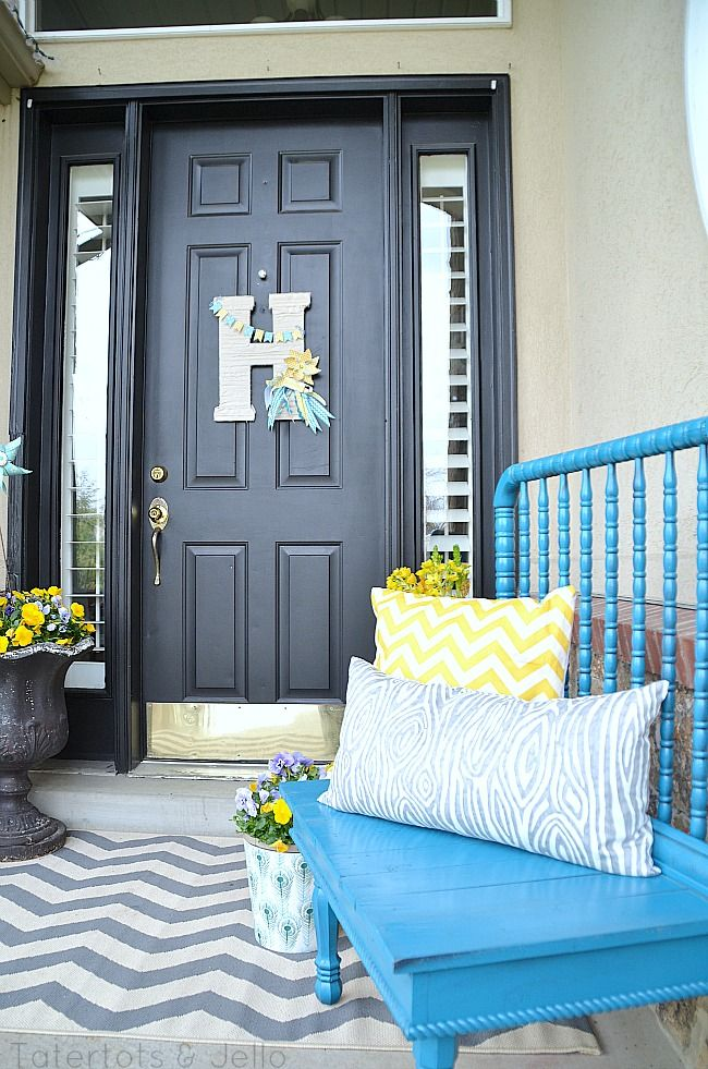 Super cute front porch from tater tots and jello