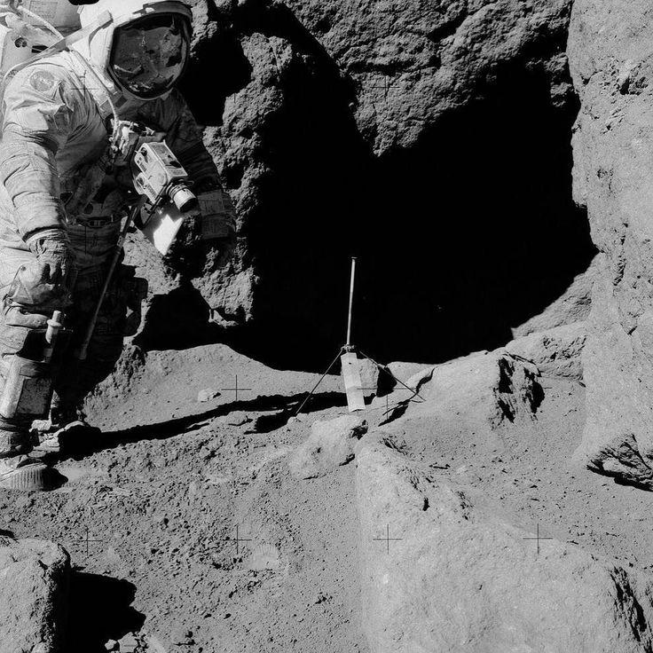 Geology experiment on last moon landing