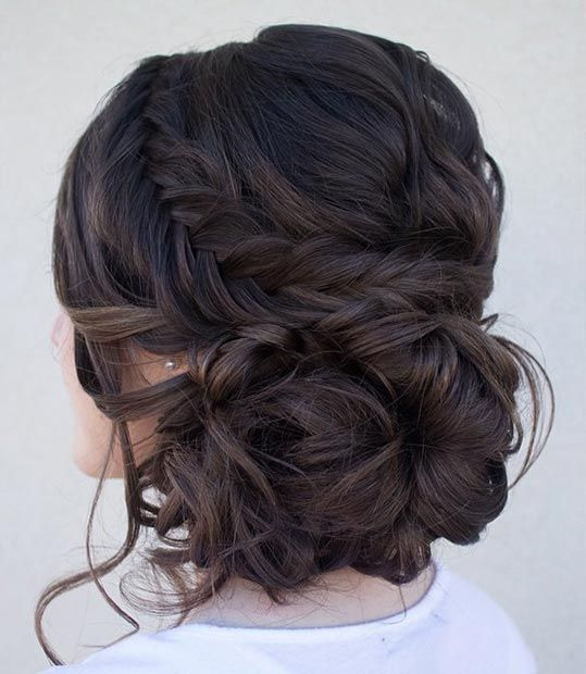 peinado recogido con cabellos sueltos a un lado                                                                                                                                                                                 Más