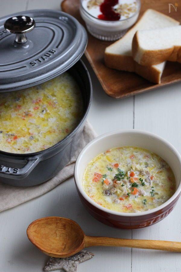 具材を蒸し煮までして作り置きにしておけば、5分かからず出来上がります。  具だくさんの食べるスープで、元気のもとがたっぷり入っていますよ。  1食分でカロリー166Kcal、たんぱく質12.2g、脂質9.0g、炭水化物8.7gなのでこれだけで低糖質朝食にもいいですし、パンやごはんを足してあげれば栄養バランスばっちりです!