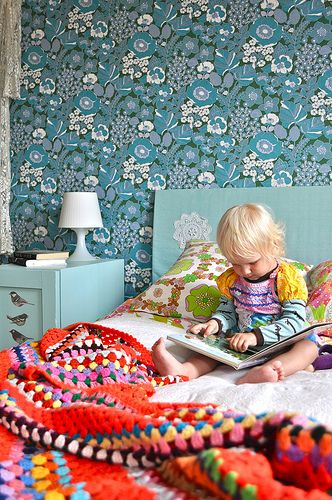 Vintage wallpapers wallpapers and kids rooms on pinterest for Kids room wall paper