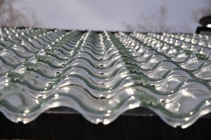 Tesla solar tiles are on the market: They cost less than a normal roof and have an unlimited warranty