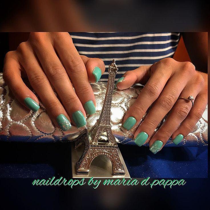 #manicure #greennails #latoureiffel