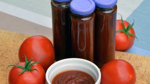 Rajčata už zrají! Jak z nich připravit ten nejlepší domácí kečup?…