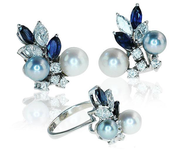 Sapphire Diamond Pearls Ring and Earrings Set   Saphir-Diamant-Ring mit Perlen und passende Saphir-Diamant-Ohringen in Weissgold  2,288ct Diamanten