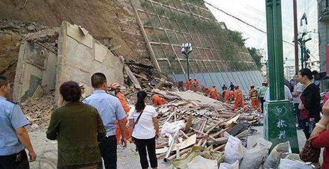 [Σκάϊ]: Κίνα: Τουλάχιστον 4 νεκροί από κατολίσθηση στην βορειοδυτική επαρχία Γκανσού | http://www.multi-news.gr/skai-kina-toulachiston-4-nekri-apo-katolisthisi-stin-vorioditiki-eparchia-gansou/?utm_source=PN&utm_medium=multi-news.gr&utm_campaign=Socializr-multi-news