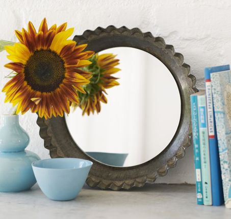 Make a great mirror from an old pie tin Tutorial 45 BEST Charming Lifestyle DIY & Tutorials EVER. From MrsPollyRogers.com