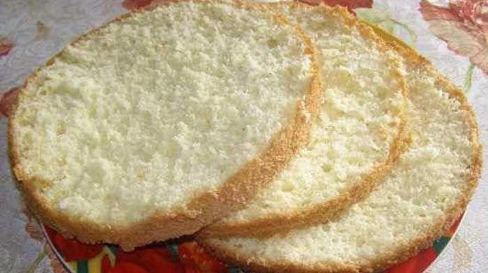 Ванильный бисквит на кипятке - уникальный рецепт и шикарный результат! Он всегда получается нежным, воздушным, очень ароматным и совсем не сухим!