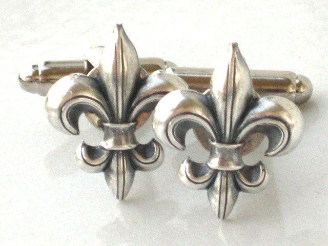 Steampunk FLEUR DE LIS - Men's Cufflinks Cuff Links - Antique Silver - New Orleans Saints - By GlazedBlackCherry, via Etsy.