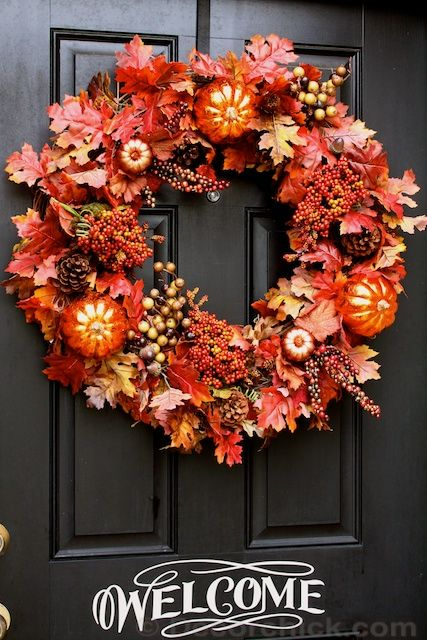 How to make an easy wreath for your front door from @Decorchick. #tutorial #fall #wreath