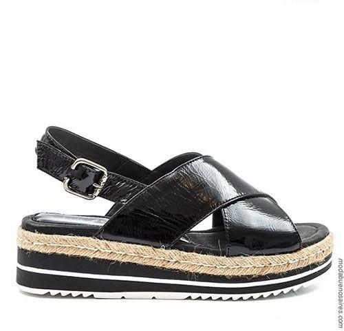 Sandalias 2018. Moda en calzado femenino primavera verano 2018. Sandalias, zapatos, zapatillas, chatitas y ojotas Lady Stork 2018. #zapatillas