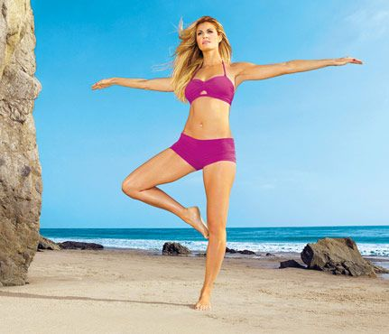 Erin Andrews Toners: the Fox sportscaster relies on simple toners using superlight weights, a workout inspired by trendy studio Physique 57. Meet the Thigh Cincher. #SelfMagazin