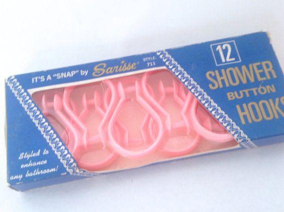 Rideau de douche en plastique rose rétro 12 crochet anneaux ; Snap, crochets bouton de douche rose bébé sarisse ; vintage antan nouvelle inutilisés NIB NOS
