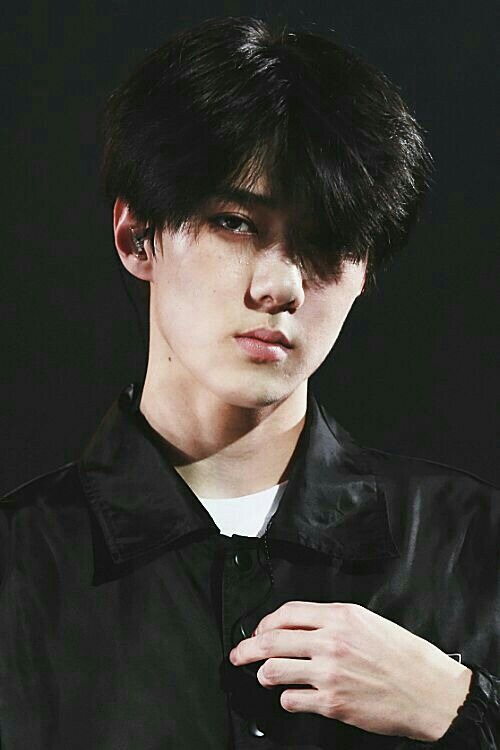 Omg this man is rude #sehun #exo