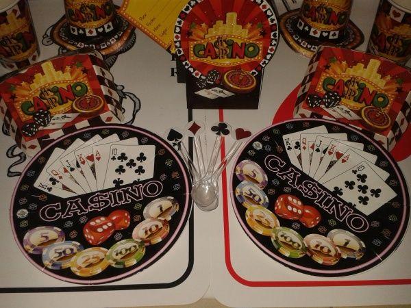 Divierte decorando para tu fiesta Casino. #FiestaCasino #FiestasTematicas