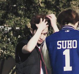 I know a certain fangirl (Amber Benefield) who would LOVE to do that for you D.O!! XD // PLEAAASE STAAHjskksksjsksodjkd
