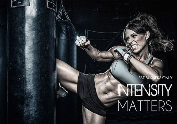 Intensity Matters! Quality over quantity matters. Recent studies show that participants who trained using HIIT methods lost more fat and built more muscle over a long term period than others who exercised using traditional low-mid intensity training methods. So no matter what your next training session is. Push the boundaries and make it intense  - TEAM FBO  #fatloss #weightloss #motivation #fitspo #bodybuilding #fitnessmodel #fitness #health #inspiration