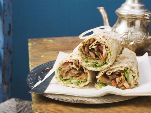 Wraps mit Dönerfleisch ist ein Rezept mit frischen Zutaten aus der Kategorie Schwein. Probieren Sie dieses und weitere Rezepte von EAT SMARTER!