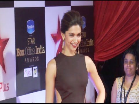 Deepika Padukone at the red carpet of Star Box Office India Awards 2014.