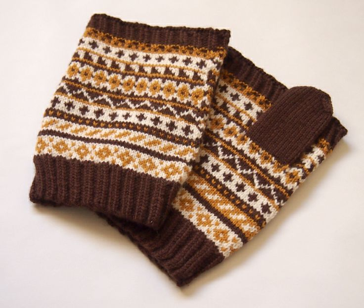 SewSew Knitted Fingerless Gloves