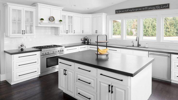43 the benefits of black granite countertops farmhouse 15 decorinspira com kitchen decor on farmhouse kitchen granite countertops id=53161