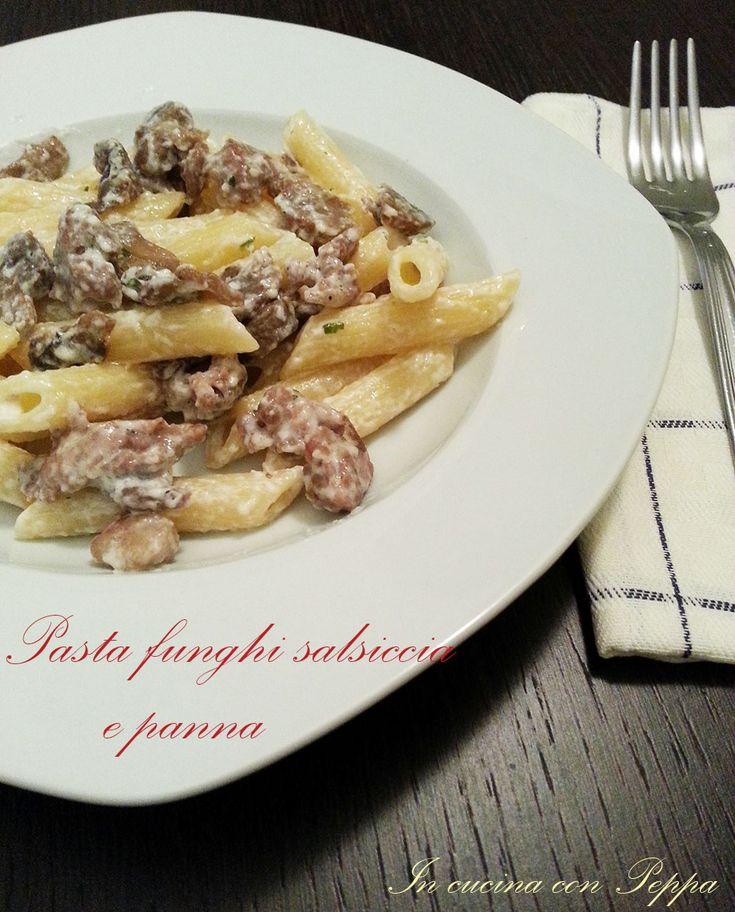 #Pasta funghi salsiccia e panna