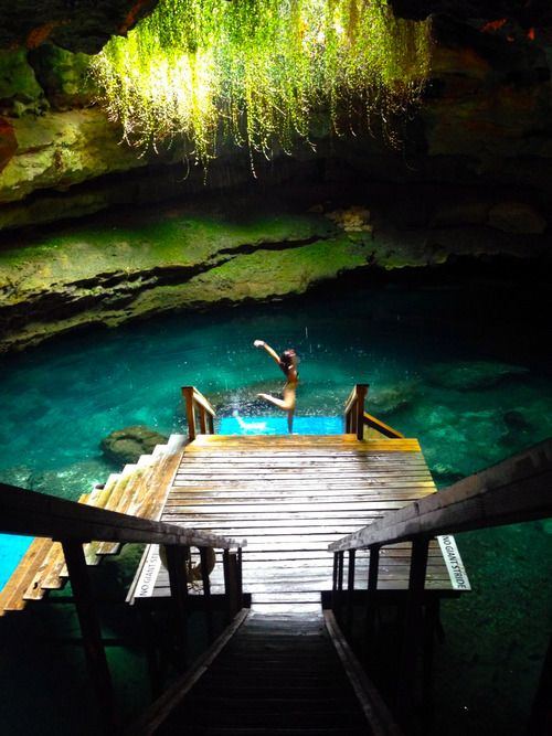 Lady Adventure | Devil's Den | Williston, Florida | A privately owned campgrounds and the underground paradise of crystal clear aquifer exposed by an ancient sink hole that can be explored by snorkel or for those less claustrophobic in dark confined spaces, multiple caves ready and willing to be traversed by certified scuba divers. | Ocala National Forest