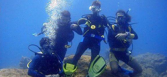 Тунис – рай для дайверов. Тунис – рай для дайверов. Для любителей подводного плавания Тунис поистине райское место с кристально чистой водой и изумительным и весьма разнообраз... http://sasl.ru/wp-content/uploads/2015/04/bath128.jpg Подробнее можно прочитать здесь: http://sasl.ru/travel/tunis-ray-dly