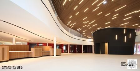 Houten plafonds van Hunter Douglas in NAC Houthalen | architectura.be